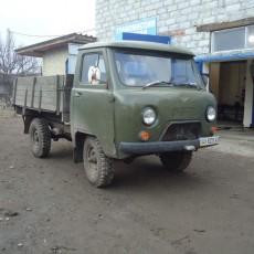 УАЗ бортовой установлен мотор дизель мерседес